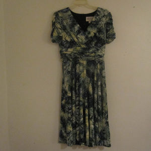 Julian Taylor Abstract Print Dress Size6,Green